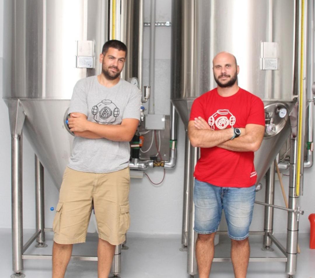 Marmita: Η μπίρα δύο φίλων από την Καβάλα που φέρνει …χαρά
